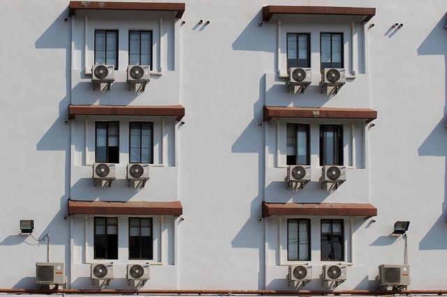 okna, klimatizace
