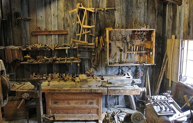 dílna, nářadí, dřevo