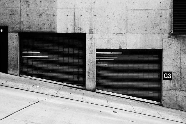 garáže u ulice