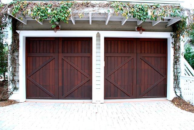 Zabezpečení a moderní design pro Vaši garáž
