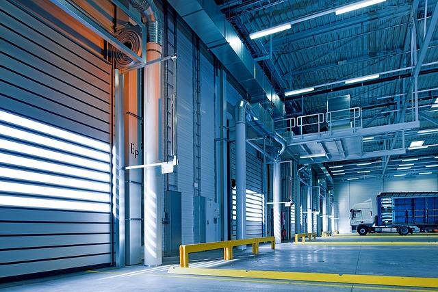 Vrata v průmyslových objektech a garážích