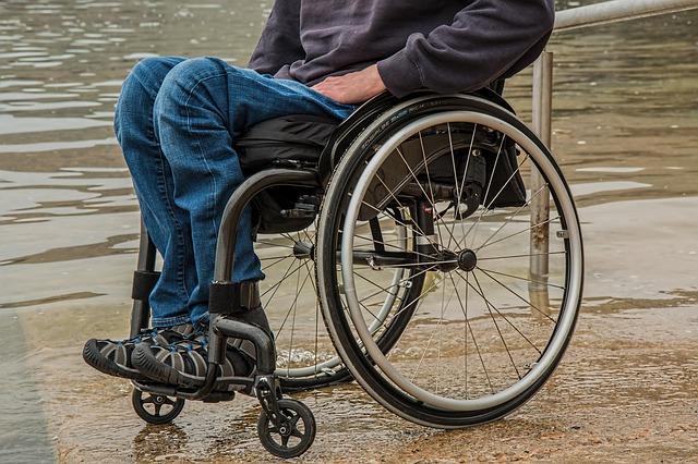 Stáří přináší komplikace s pohybem