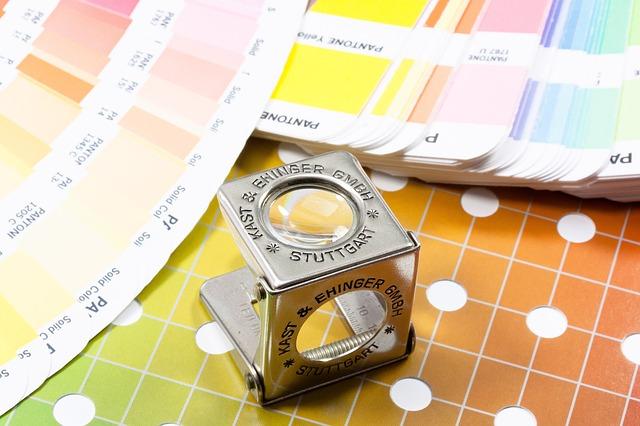 lupa, barevné vzorníky