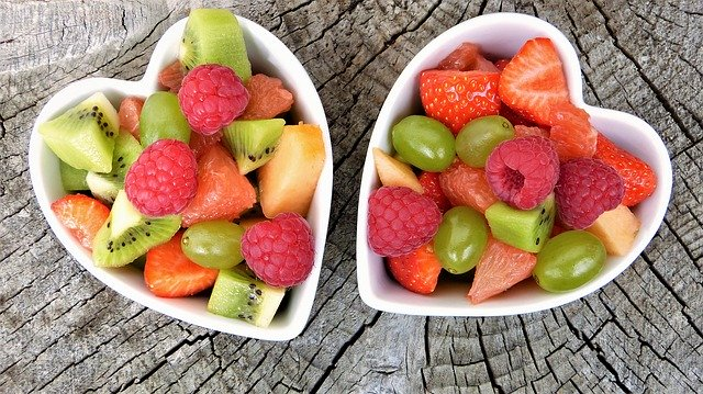 misky s ovocem
